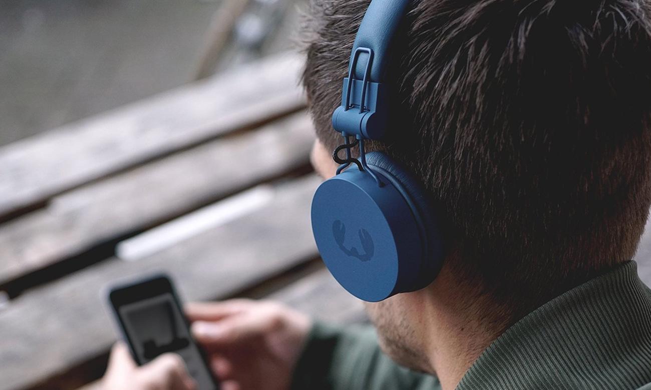 Granatowe słuchawki z Bluetooth Fresh 'n Rebel Caps Indigo
