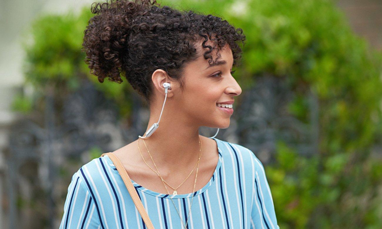 Słuchawki JBL E25BT pozwalają się cieszyć muzyką