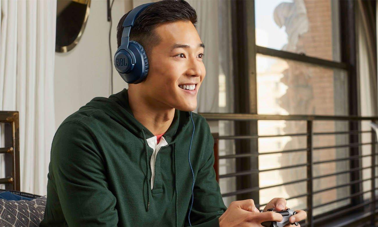 JBL Quantum 100 - przewodowy wokółuszny zestaw słuchawkowy do gier