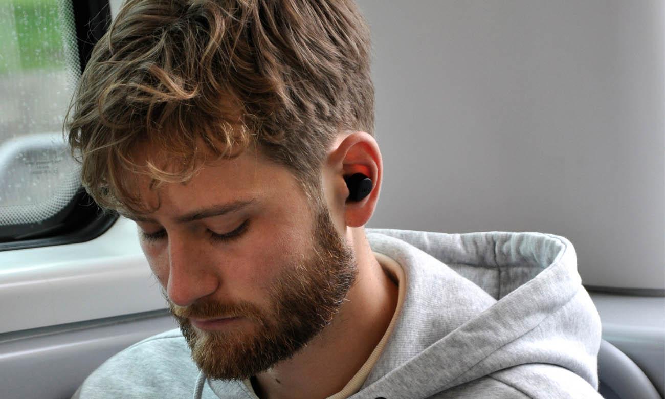 Komfortowe i odporne na pot słuchawki dokanałowe JAYS m-Seven