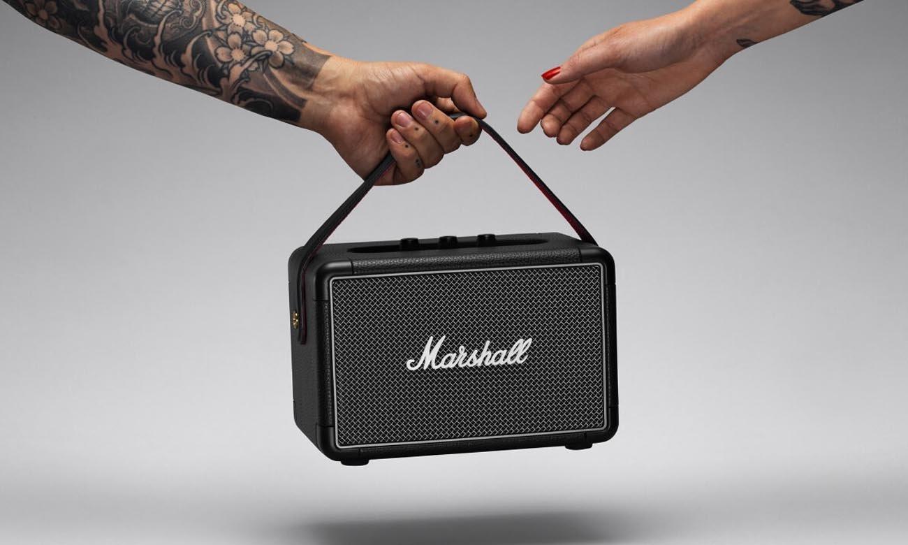 Niewielki głośnik przenośny Marshall Kilburn II czarny
