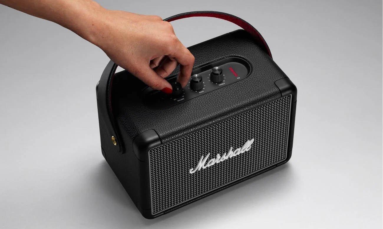 Głośnik Bluetooth z mocnym brzmieniem Marshall Kilburn II Indigo