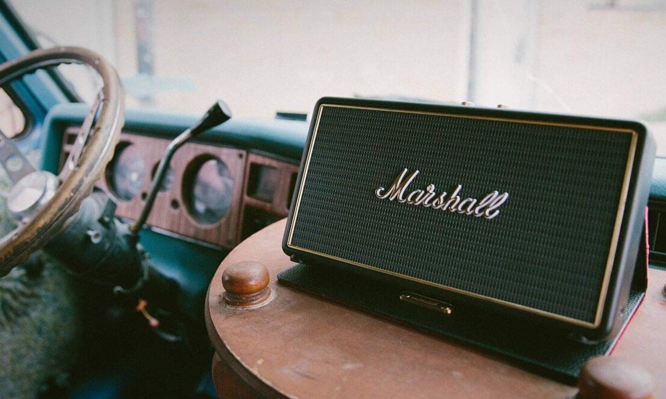 Głośnik przenośny retro Stockwell z etui od firmy Marshall
