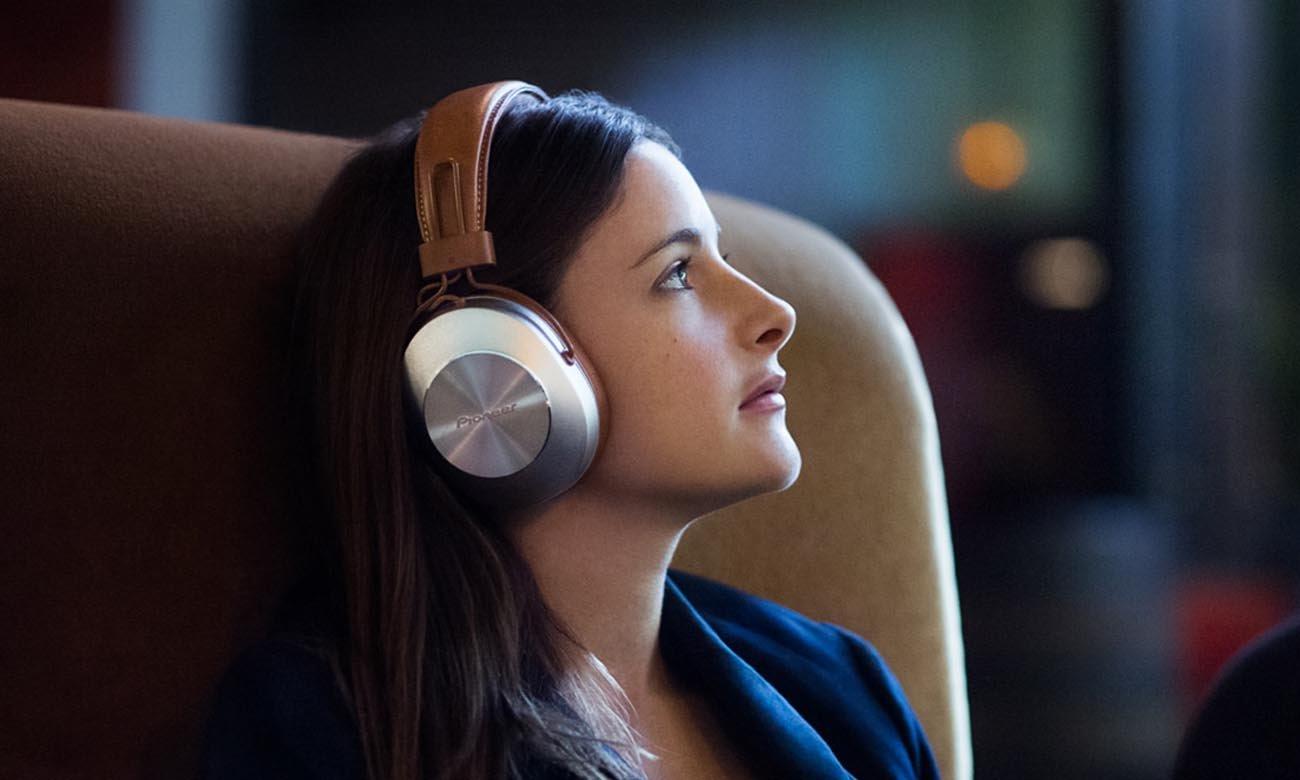 Brzmienie w wysokiej jakości w słuchawkach Pioneer SE-MS7BT Beige