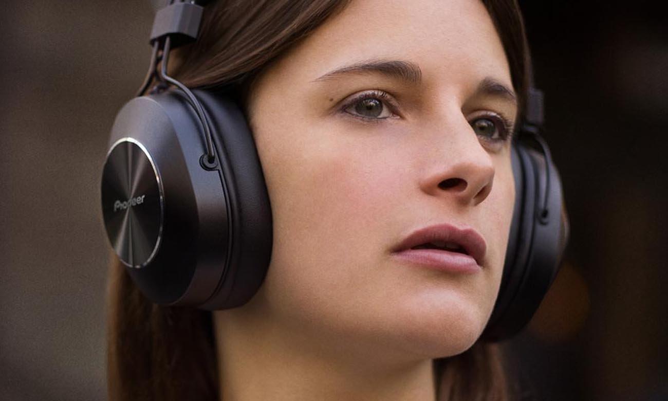 Brzmienie w wysokiej jakości w słuchawkach Pioneer SE-MS7BT Black