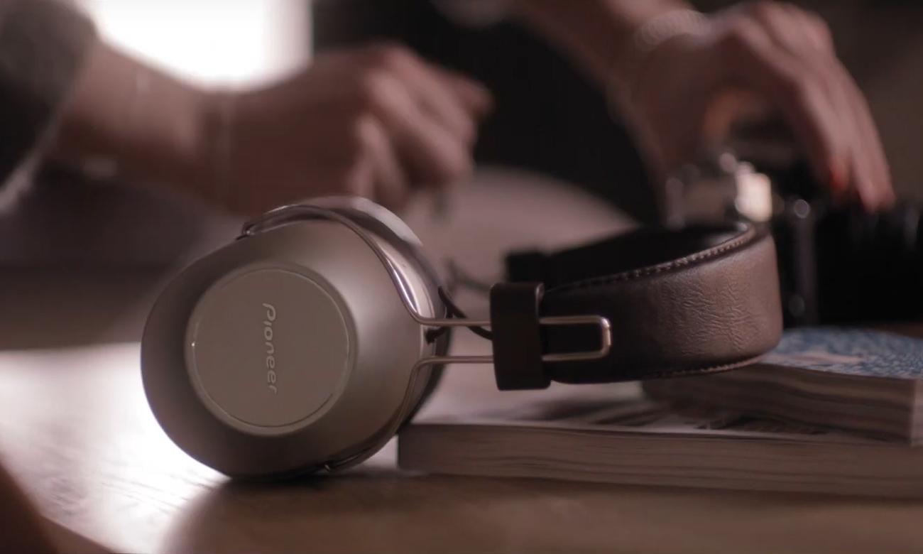 Wygodne słuchawki BT Pioneer SE-MS9BNG
