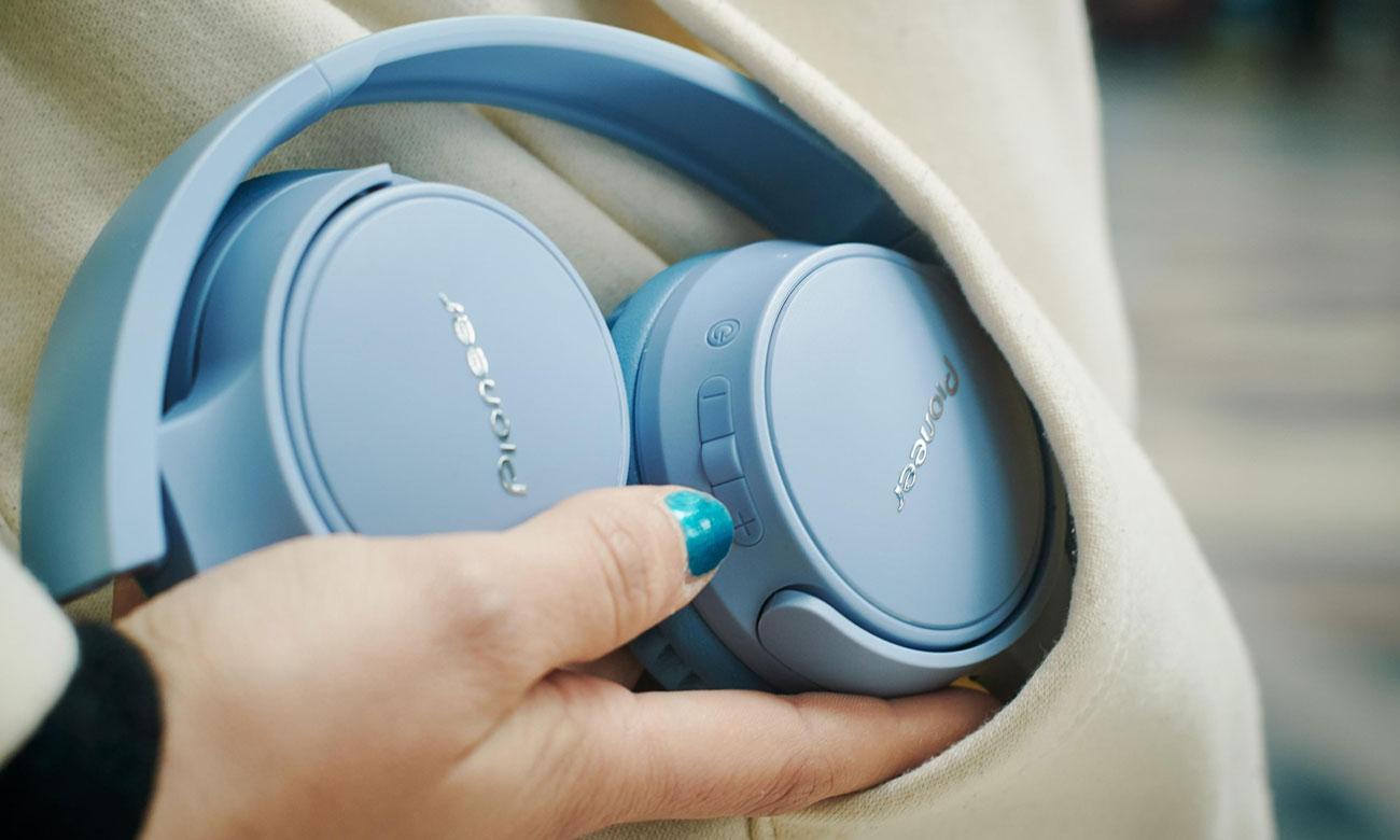 Konstrukcja słuchawek nausznych Pioneer SE-S3BT