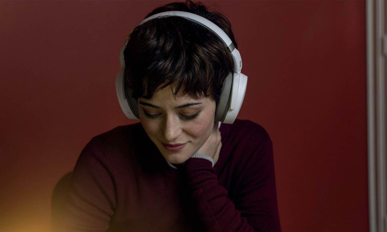 Słuchawki bezprzewodowe Sennheiser HD 450BT wyposażone w Bluetooth 5.0 oraz aktywną redukcję szumów
