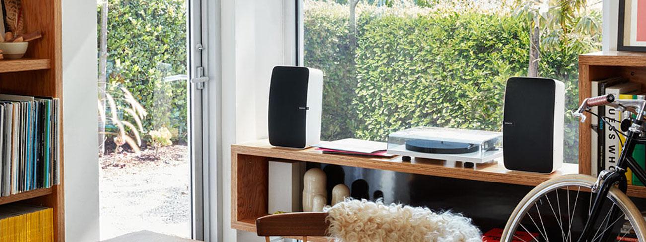 Wiele możliwości sieciowych Sonos Play5