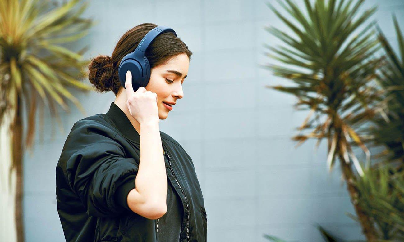Bezprzewodowe słuchawki Sony WH-XB900N niebieskie