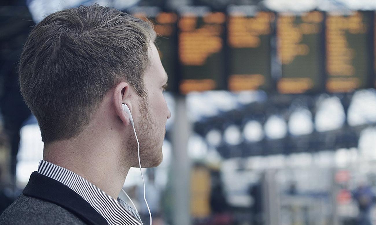 Lekkie słuchawki douszne SoundMagic EP30
