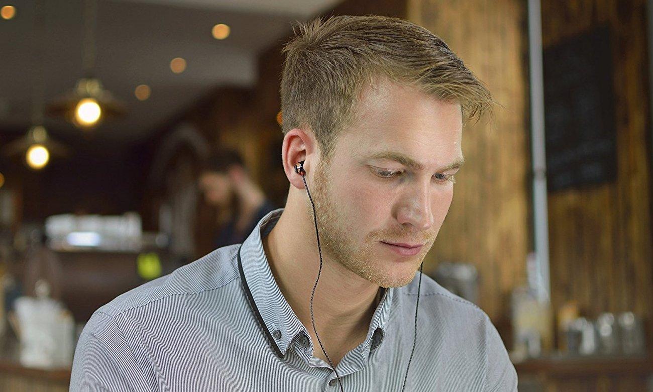 Wygodne słuchawki dokanałowe SoundMagic E10
