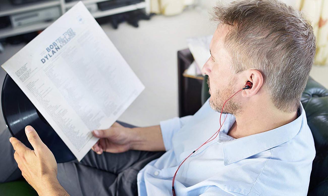 Konstrukcja słuchawek dokanałowych SoundMagic E80