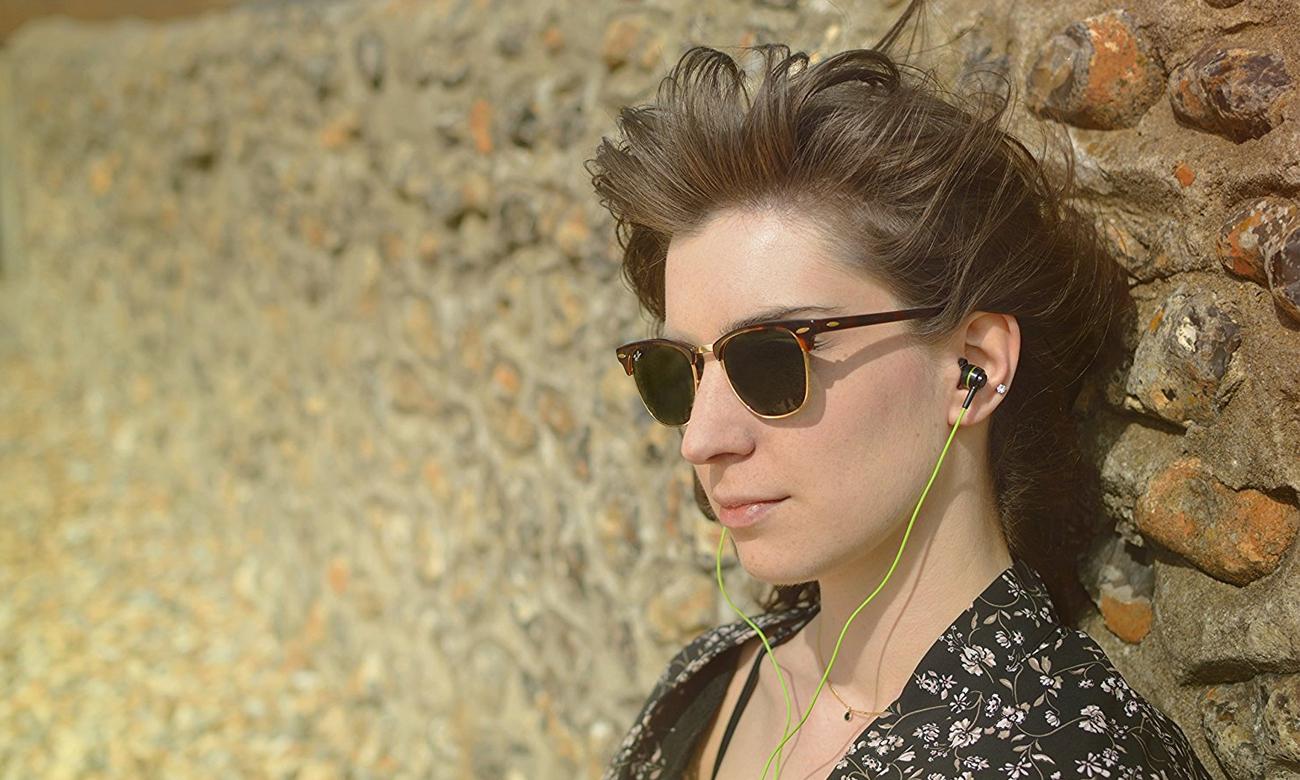 Wygodne słuchawki dokanałowe SoundMagic ES11S