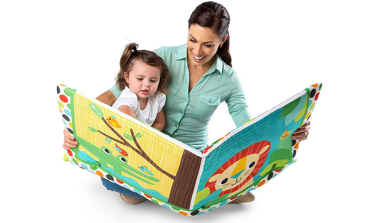mata edukacyjna dla dziecka z zabawkami