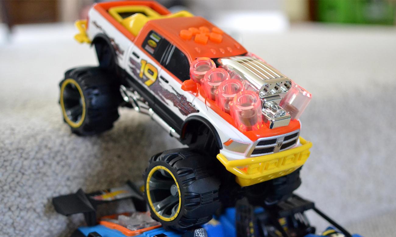 Toy State Piston Thumper RAM