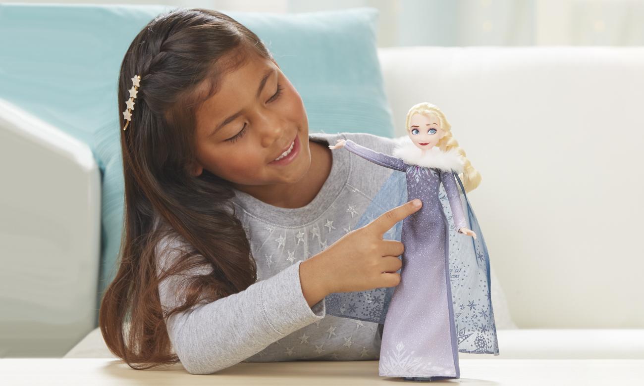Hasbro Disney Frozen Przygoda Olafa Śpiewająca Elsa