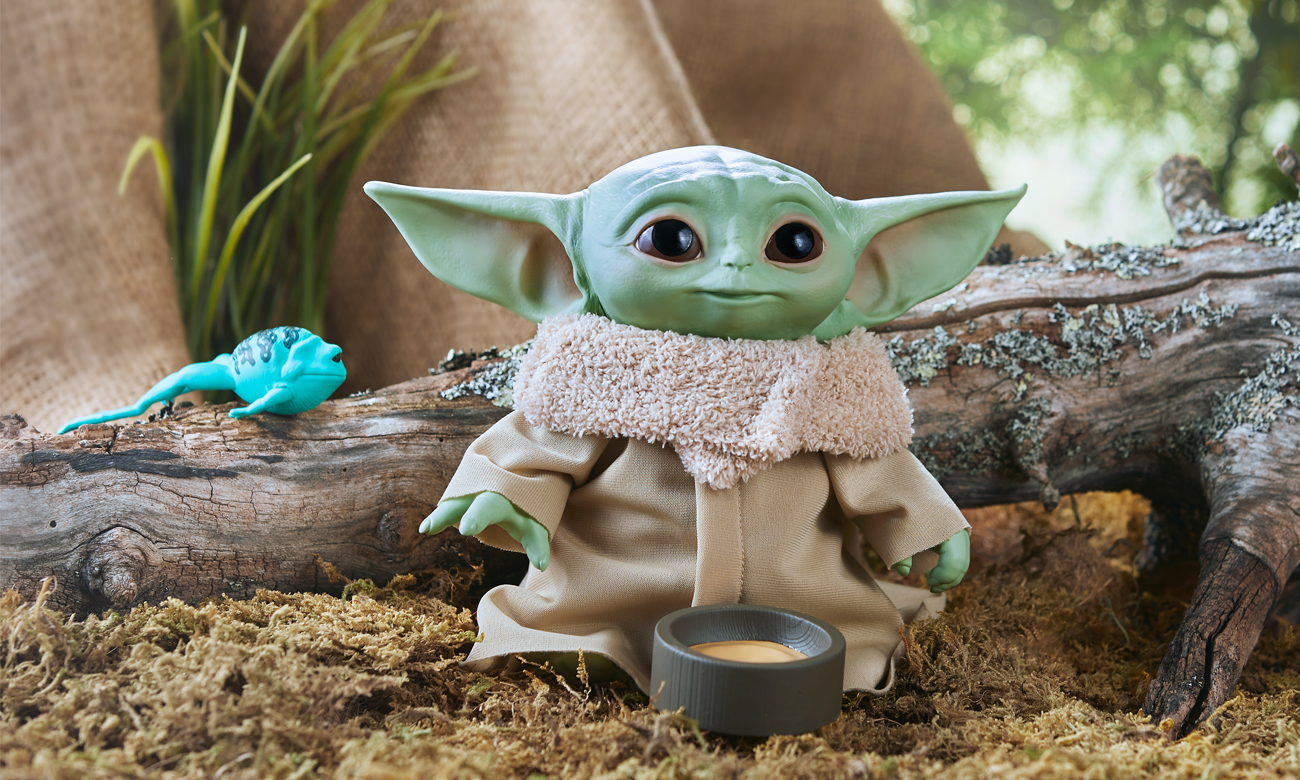 Hasbro Star Wars Mandalorian Baby Yoda the Child