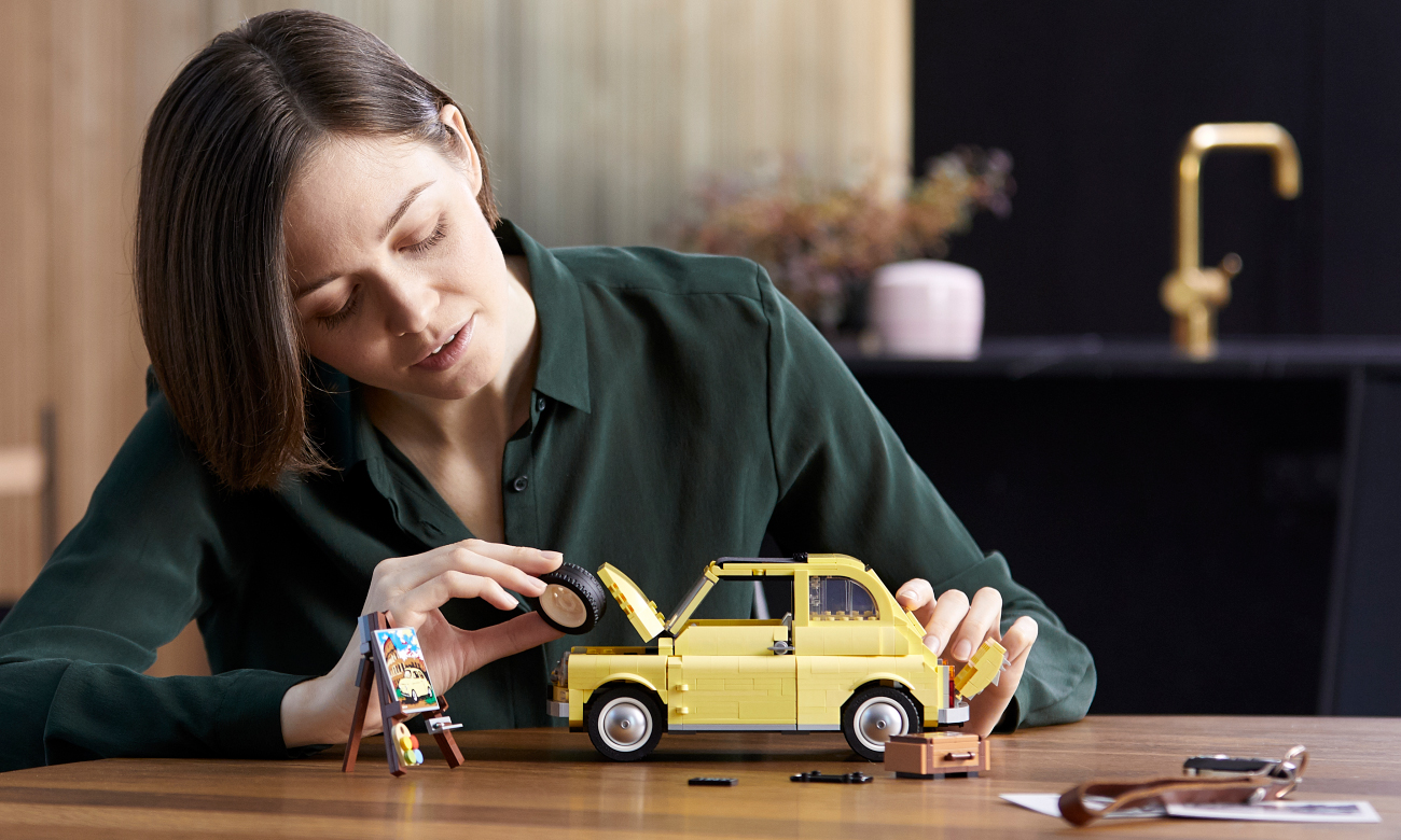 model klasycznego samochodu lego
