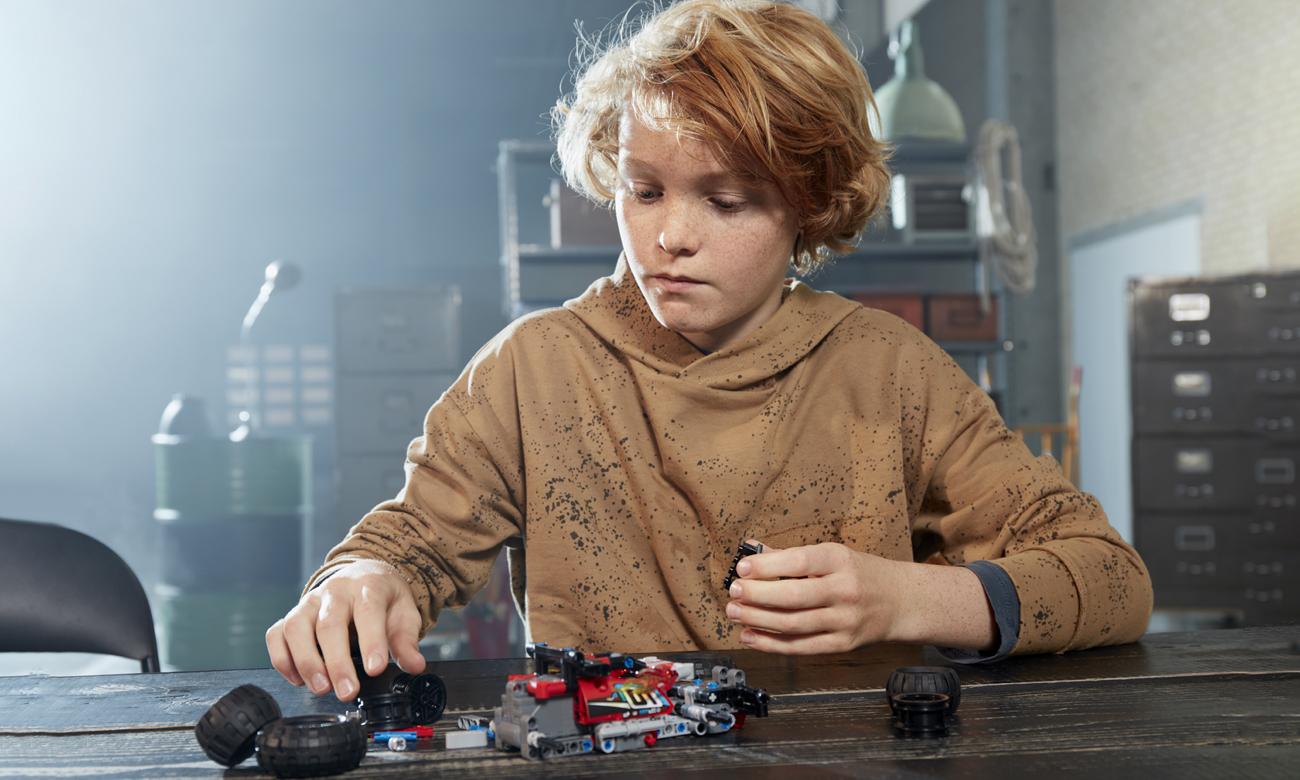 LEGO® wyścigówka