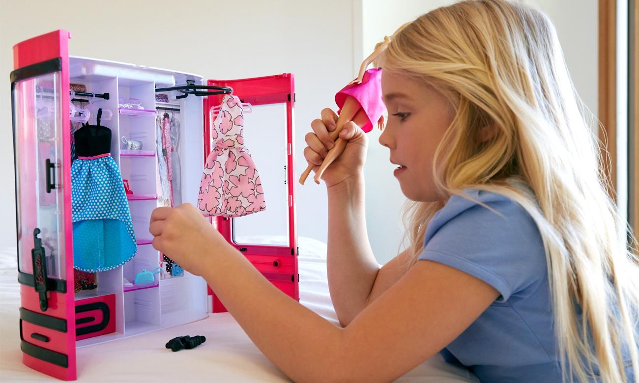 Mattel Barbie Fashionistas Szafa Walizeczka z akcesoriami