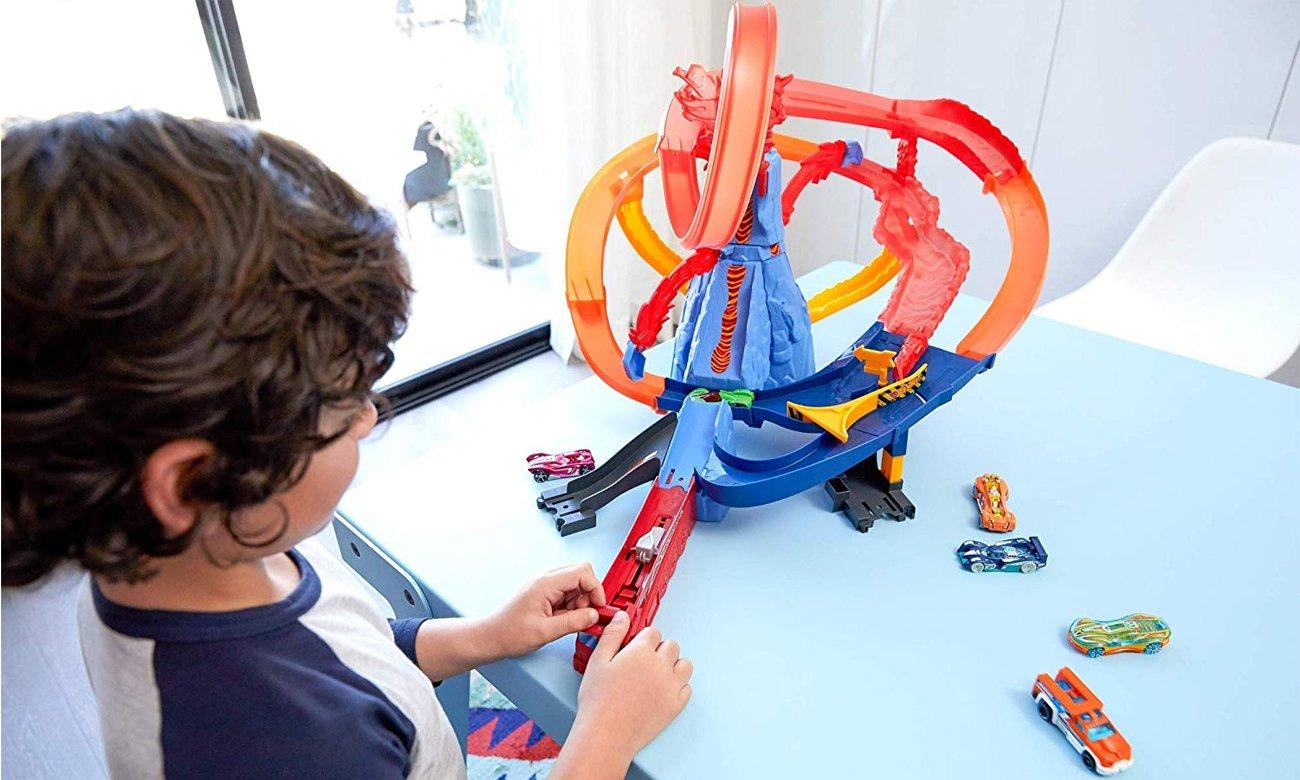 Mattel Hot Wheels Ucieczka z wulkanu Zestaw