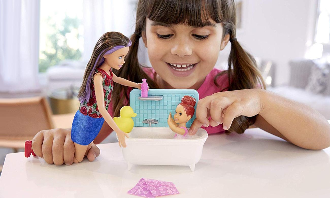 Mattel Barbie Skipper Zestaw Opiekunka z wanną