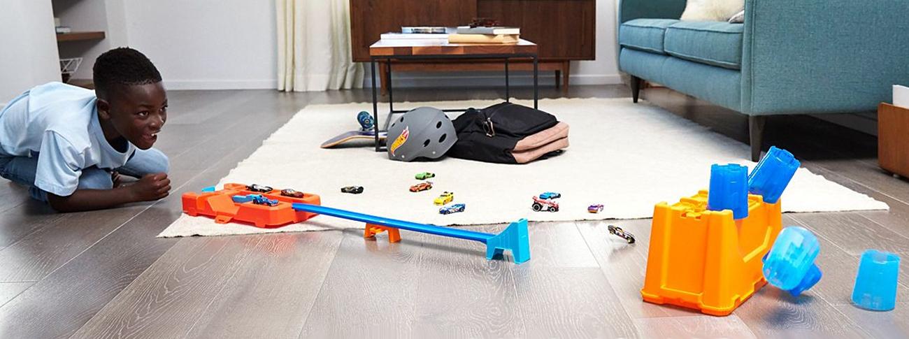 Mattel Hot Wheels Track Builder Kaskaderskie beczki Zestaw Pudełko
