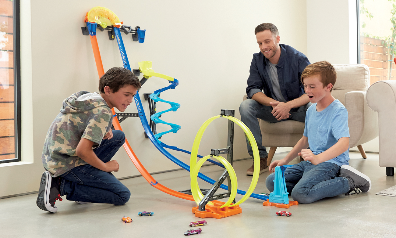 Mattel Hot Wheels Kaskaderski Megator Zjazdowy