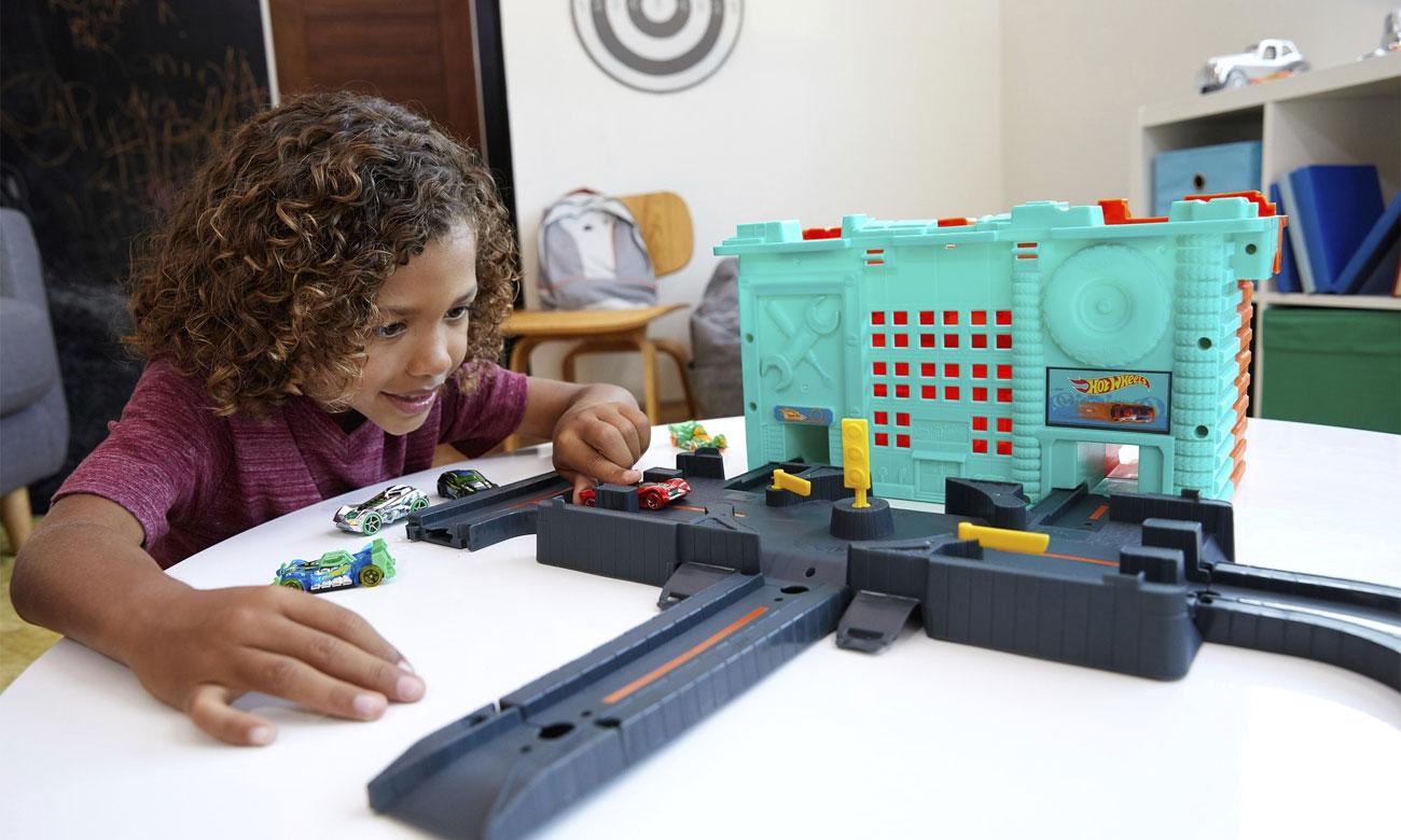 Mattel Hot Wheels Miejskie tory Zestaw w pudełku GKT86