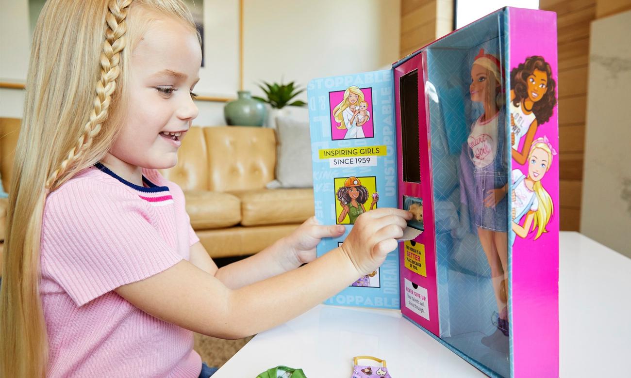 Mattel Barbie Lalka z niespodzianką