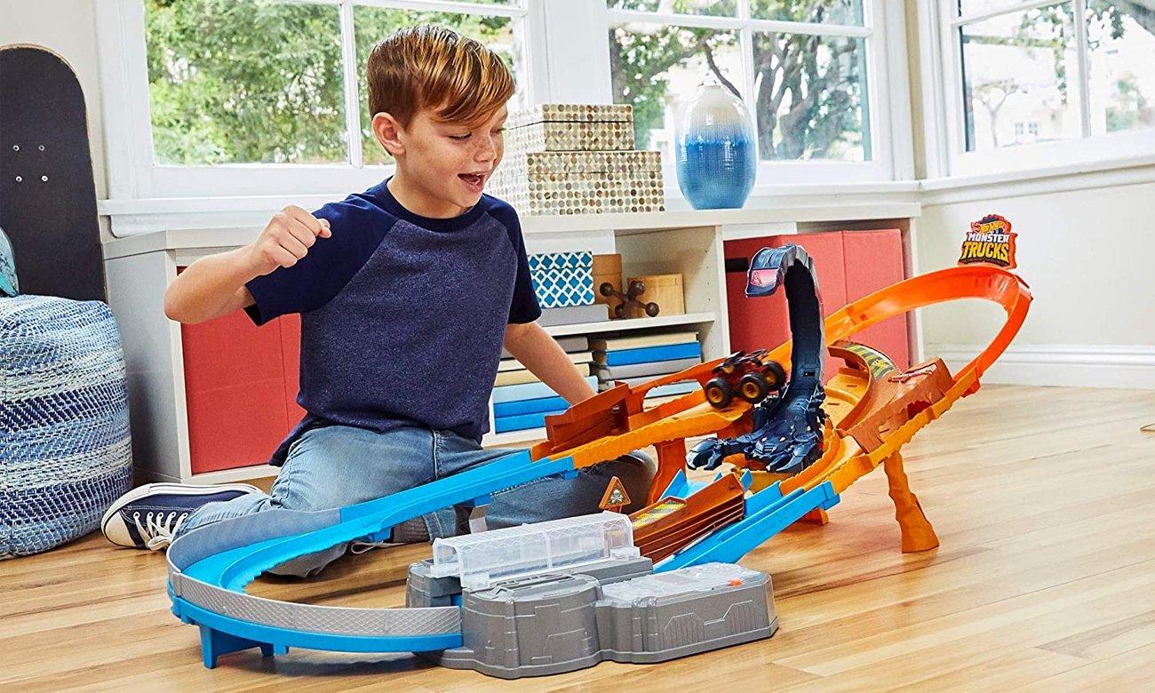 Mattel Hot Wheels Monster Trucks Tor Skorpion